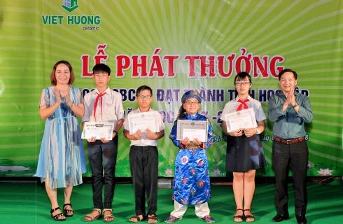 Lễ trao thưởng con CNCNV năm học 2017-2018